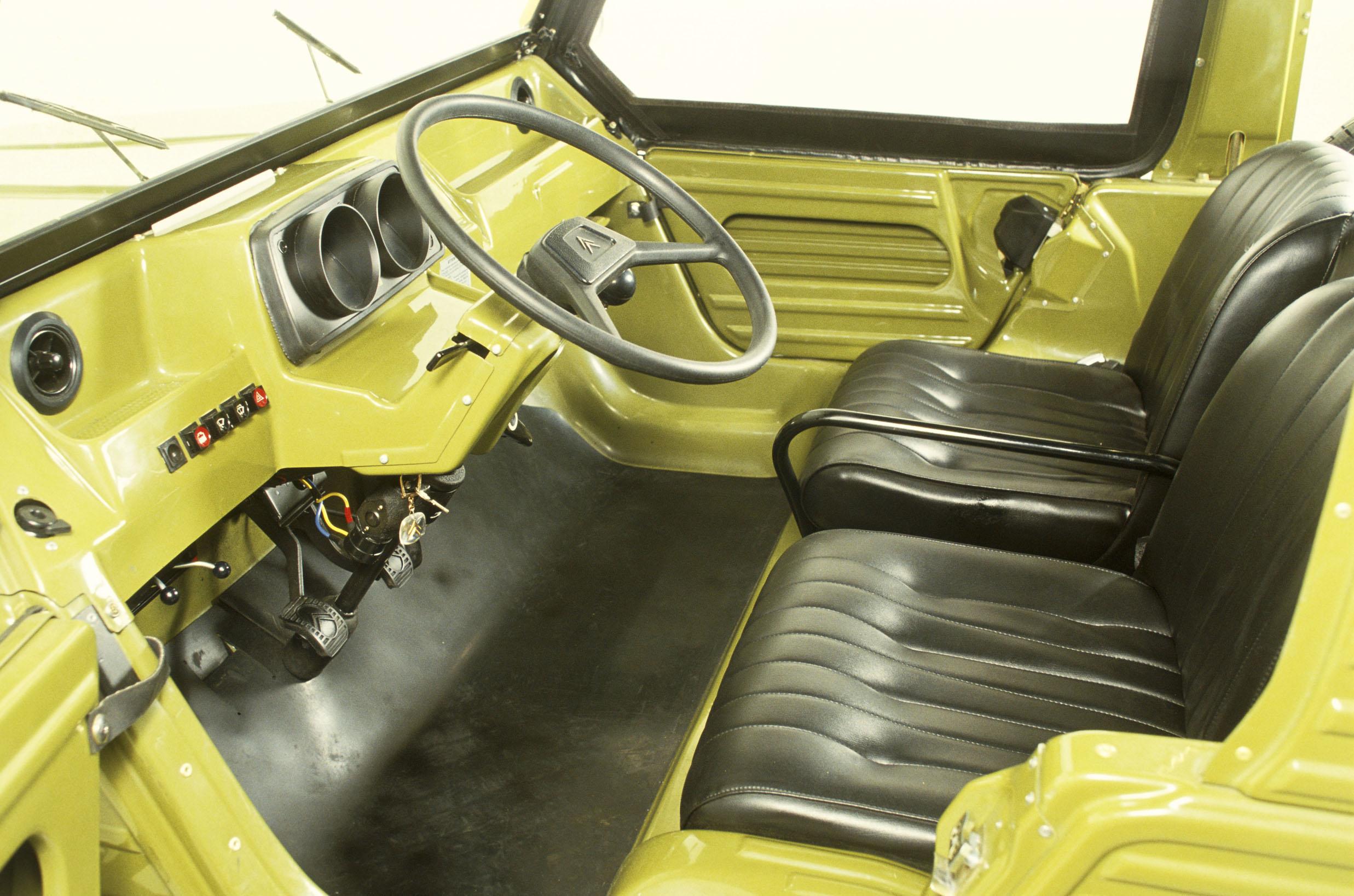 citroen-mehari-1979-interieur